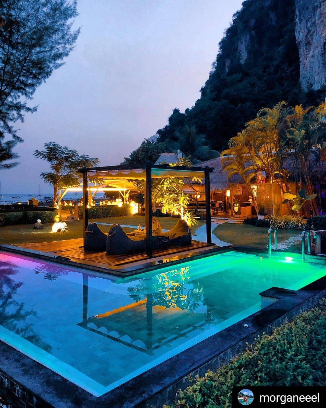 Phi Phi Relax Beach Resort: Another Way To Relax. Une Autre